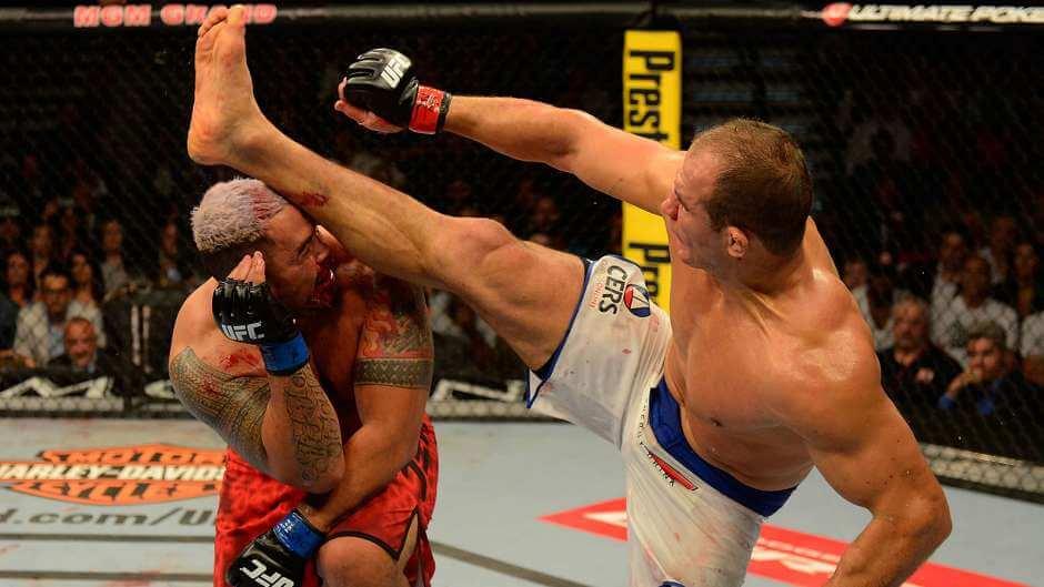111714-UFC-Junior-dos-Santos-J2-PI.vnocropresize.940.529.medium.78